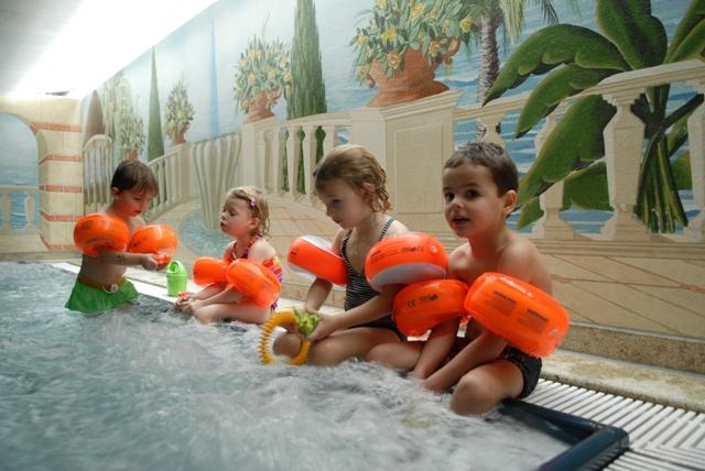 spielend schwimmen lernen in m nchen und markt indersdorf blubb schwimmschule. Black Bedroom Furniture Sets. Home Design Ideas